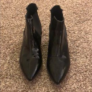 French Connection patent leather shoe in size 8